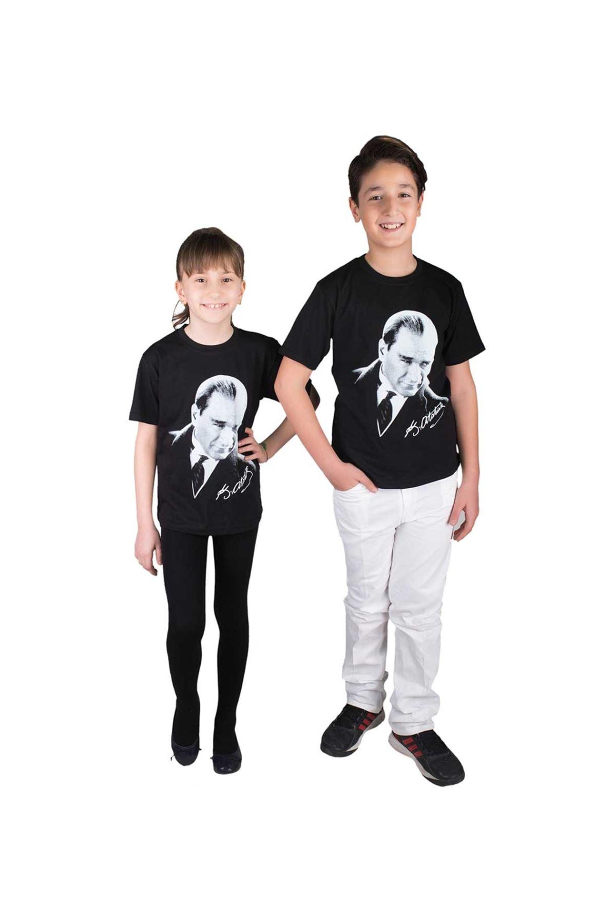 Siyah Arkası İmzalı Çift Baskılı Atatürk Tişört