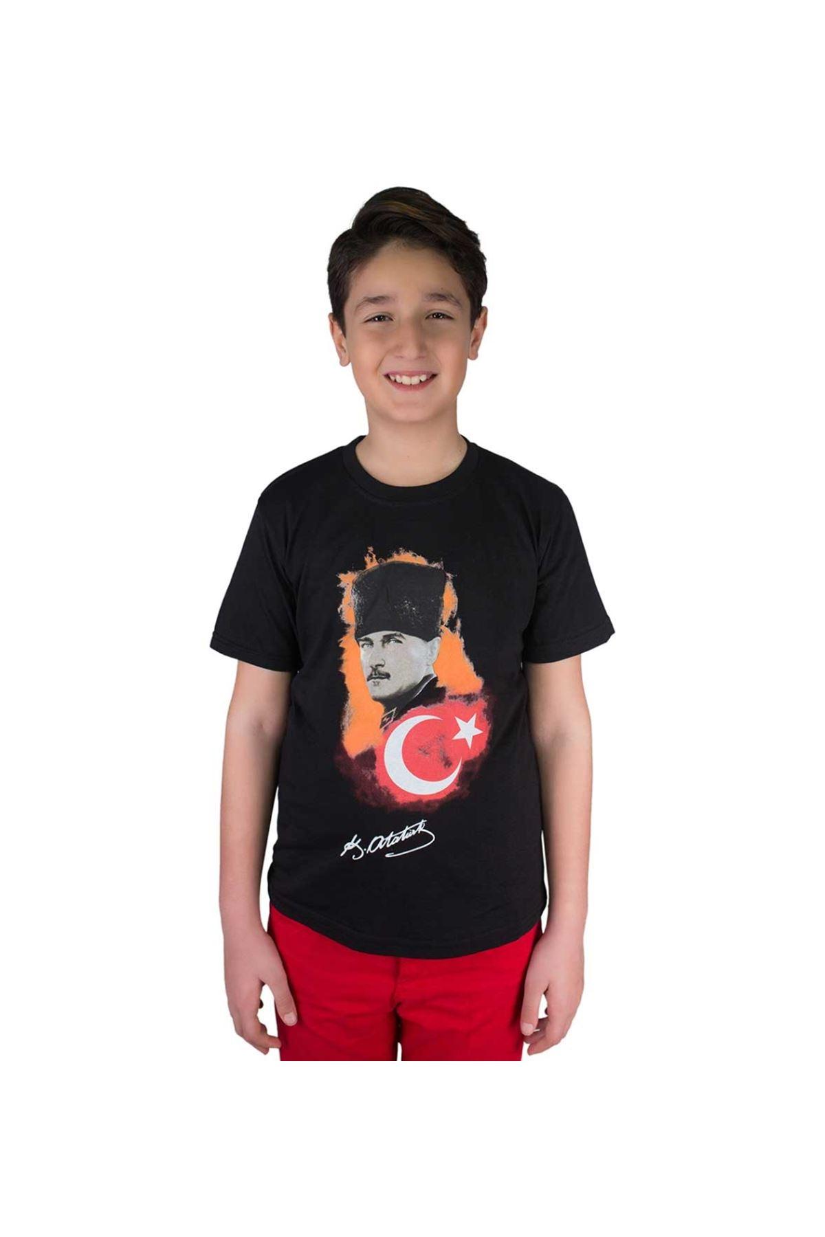 Siyah Atatürk Bayrak Baskılı Tişört