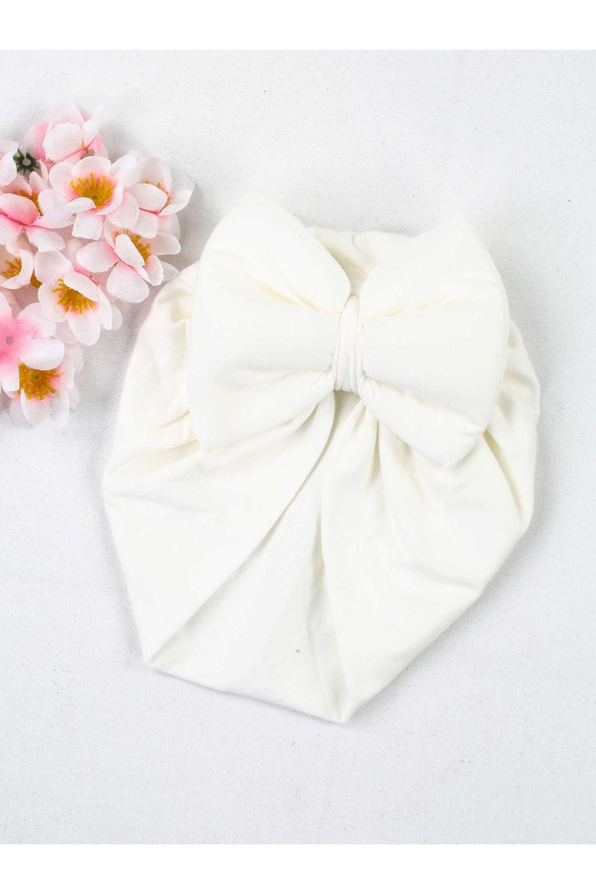 Beyaz Fiyonklu Kız Bebek Bone