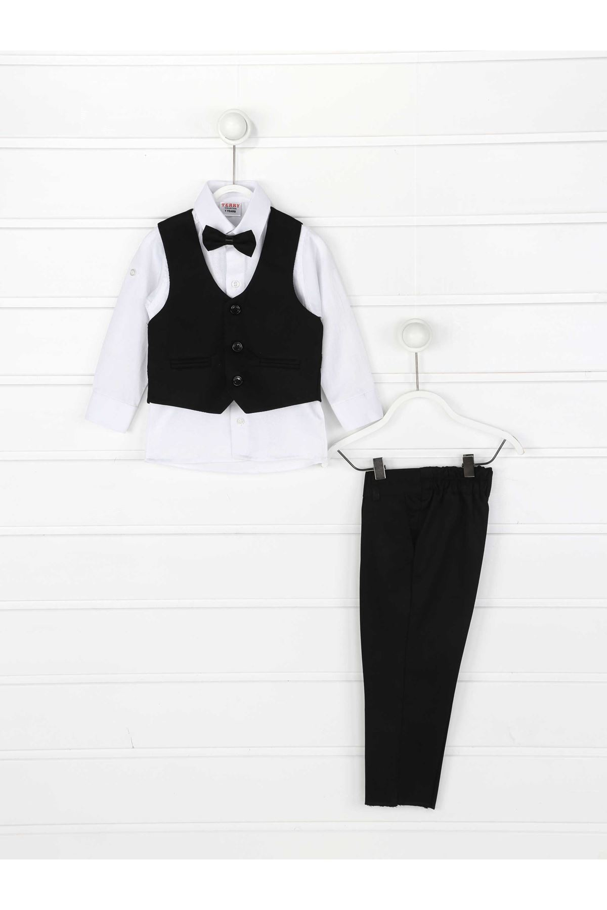 Siyah Yelekli Papyonlu Erkek Çocuk Takım Elbise