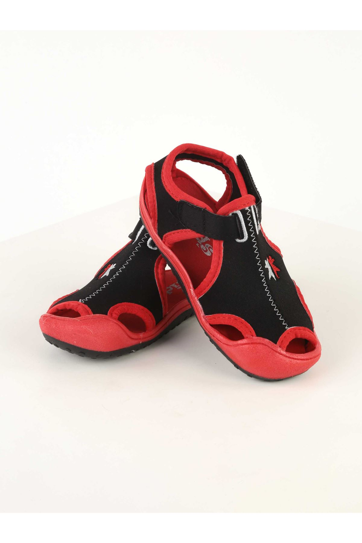 Red boys girls baby kids outdoor sandals beach summer seasonal comfortable babies shoes sandals models